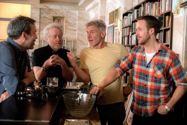 左から、ドゥニ・ヴィルヌーヴ監督、リドリー・スコット氏、ハリソン・フォード、ライアン・ゴズリング