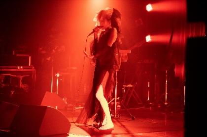 Cocco 新たなアレンジや新曲も披露した、生配信ワンマンライブのオフィシャルレポート到着