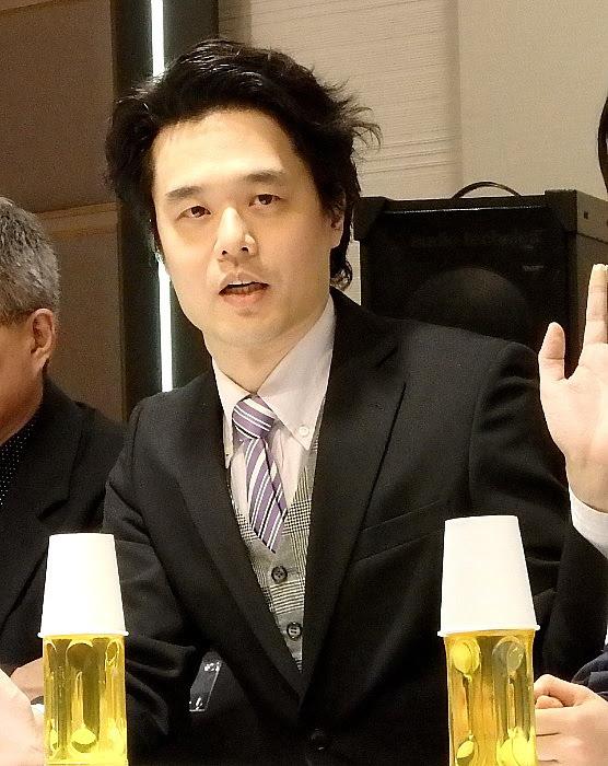 劇団レトルト内閣の座長、川内信弥