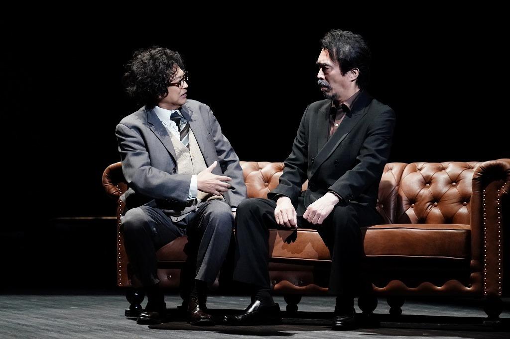 (左から)相島一之、益岡徹  撮影:田中亜紀