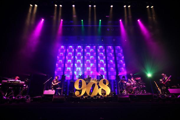 「908 FESITVAL in OSAKA 2016」の様子。(写真提供:ポニーキャニオン)