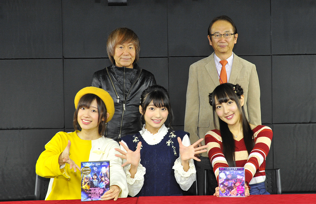 後列左から串田アキラ・泉登美雄 前列左から高橋李依・高野麻里佳・長久友紀