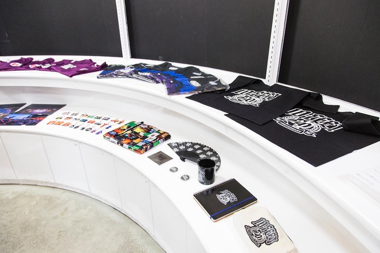 会場限定販売のTシャツやグッズ