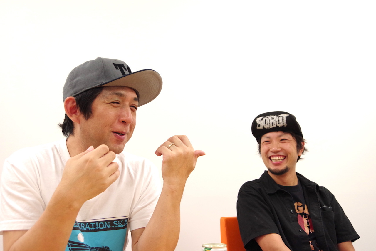 左:GEN(GELUGUGU)右:JAGGER(THE SKIPPERS)