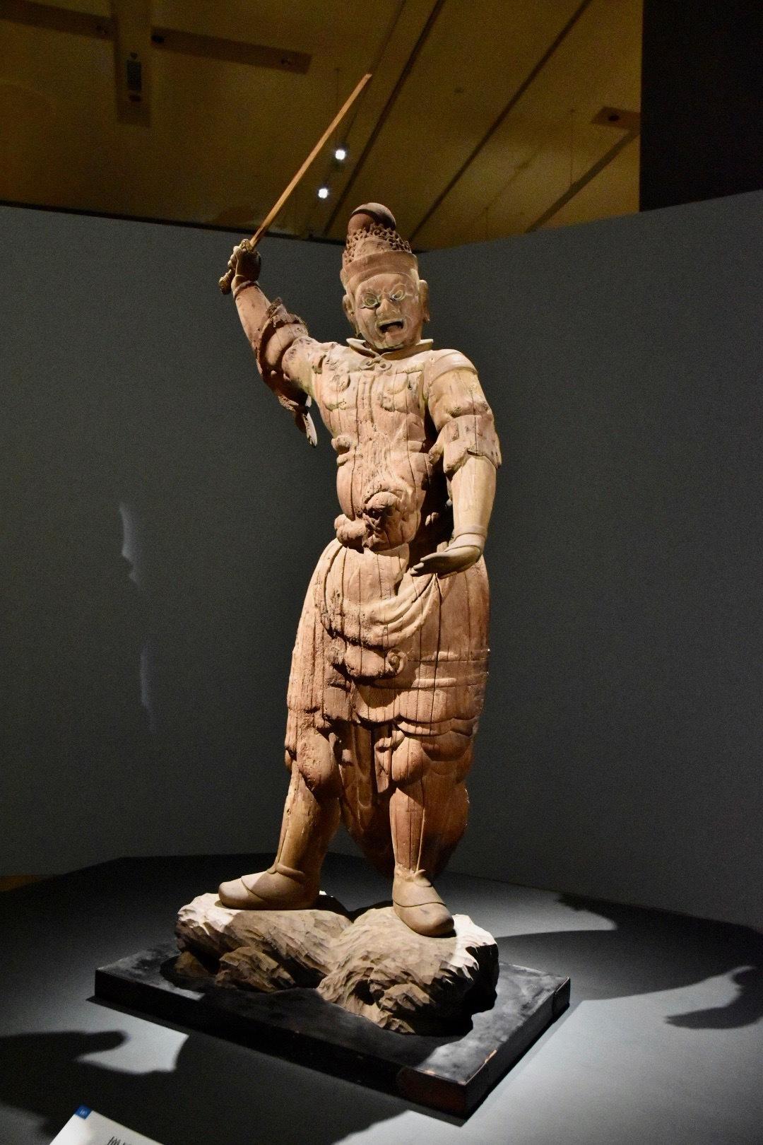 四天王像のうち 増長天立像(重要文化財) 平安時代 9世紀 島根・萬福寺(大寺薬師)