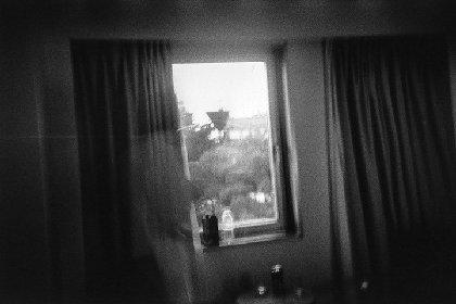 野村佐紀子の新作写真展が開催 写真集『愛について』の発刊1周年企画