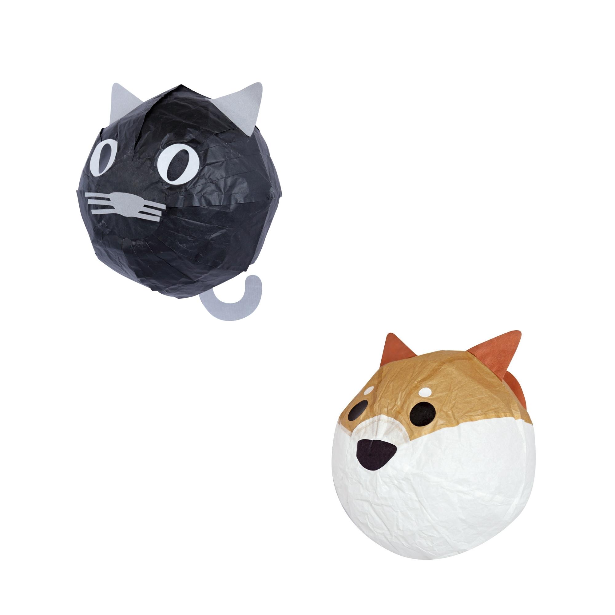 紙風船  販売価格:猫、ぽち 各430円 紙を貼り合わせた素朴な日本の玩具。ひもを通し、ゆらゆら吊るして飾るのがおすすめ。贈り物にも。