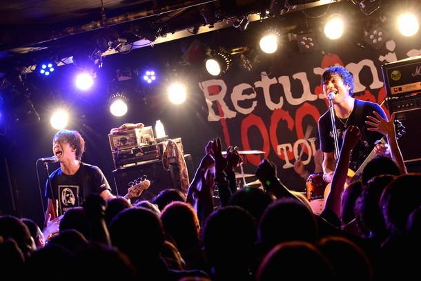 "locofrank「""Returning"" Tour 2016」東京・新代田FEVER公演の様子。(撮影:半田安政[showcase])"