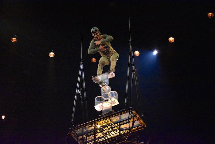 『ダイハツ キュリオス』東京公演公開リハーサルの様子。作品名は『ROLA BOLA(ローラ・ボーラ)』  撮影=五月女菜穂