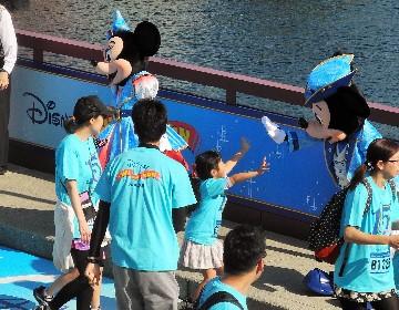 初体験!ふだんは走れない東京ディズニーシーで開園前ランイベント開催!