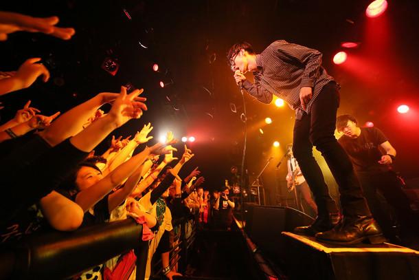 夜の本気ダンス「夜の本気ダンスのワンマン『G-A-SHOW!』」東京・渋谷CLUB QUATTRO公演の様子。(撮影:石崎祥子)