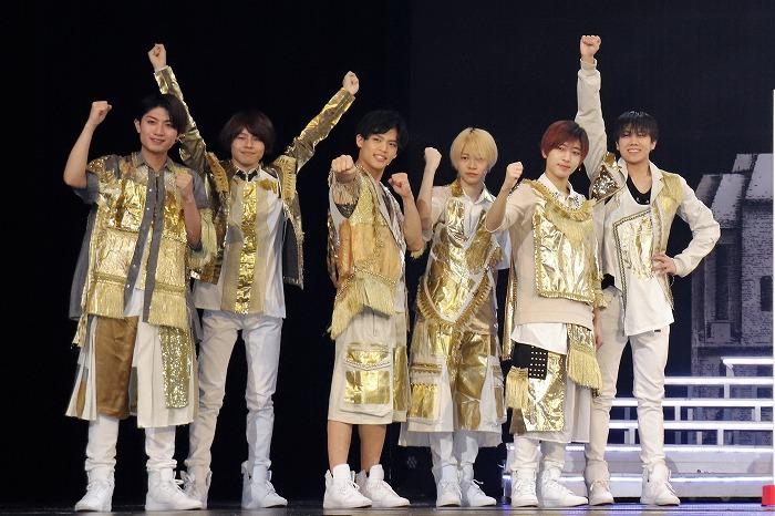 7 MEN 侍(左から)本髙克樹、矢花黎、菅田琳寧、今野大輝、中村嶺亜、佐々木大光