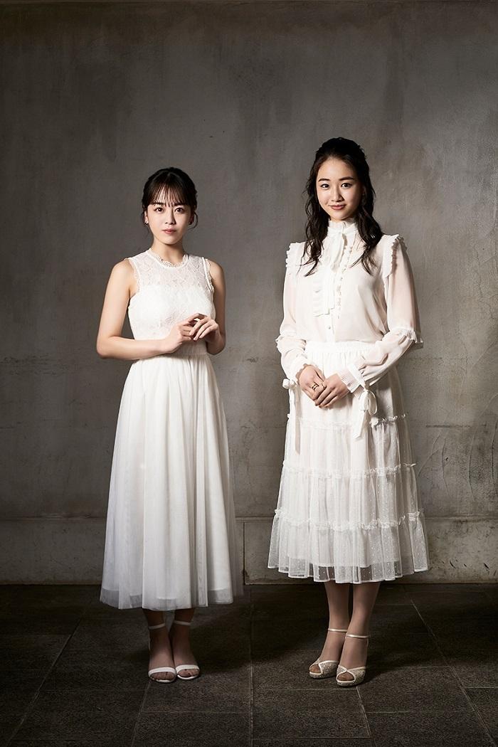 (左から)伊原六花、天翔愛  (C)岡本隆史