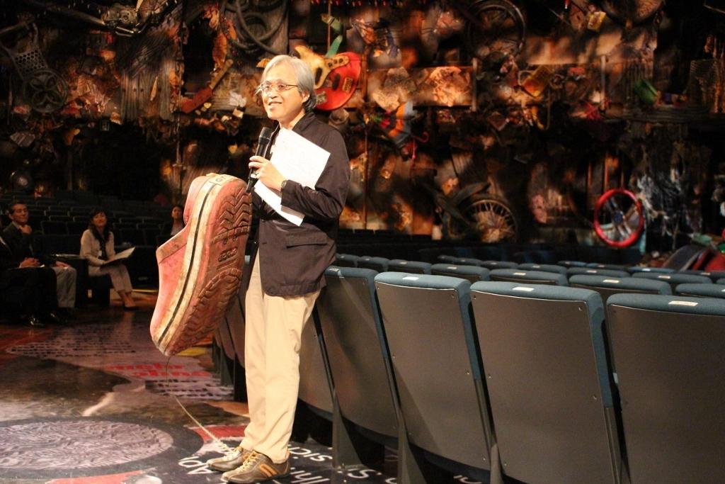 舞台美術家 土屋茂昭氏(撮影:上村由紀子)