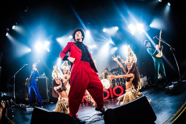 「POWER OF LIFE~ファンカジスタツアー2015~」東京・LIQUIDROOM公演の様子。(撮影:木場ヨシヒト)