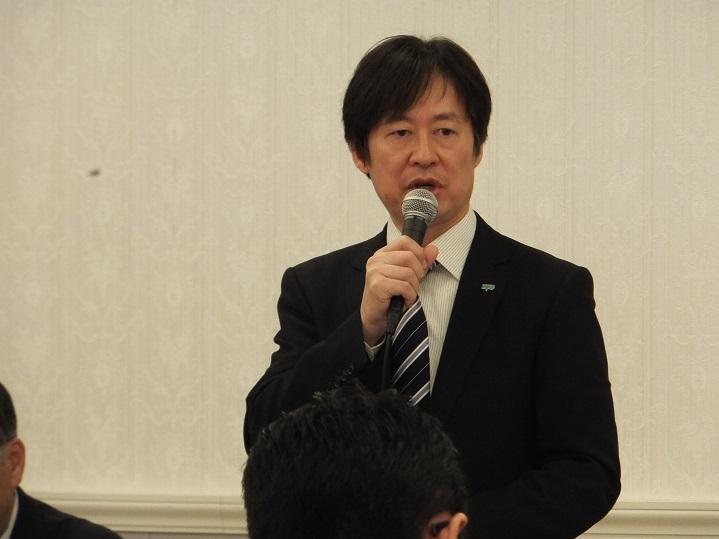 定期演奏会開演前のプレトークが人気の福山修 (C)H.isojima