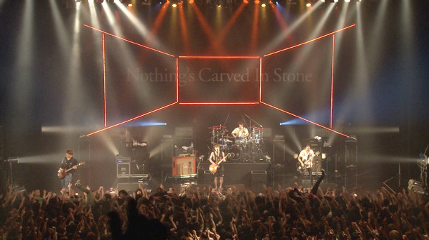 "「Nothing's Carved In Stone ""MAZE×MAZE TOUR"" ドキュメンタリー」のワンシーン。"