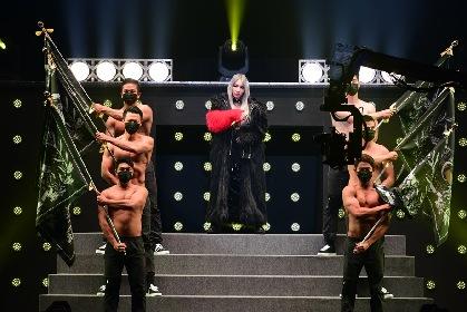 CL(2NE1)が『東京ガールズコレクション2016 』で新曲初披露、ローラとのコラボも