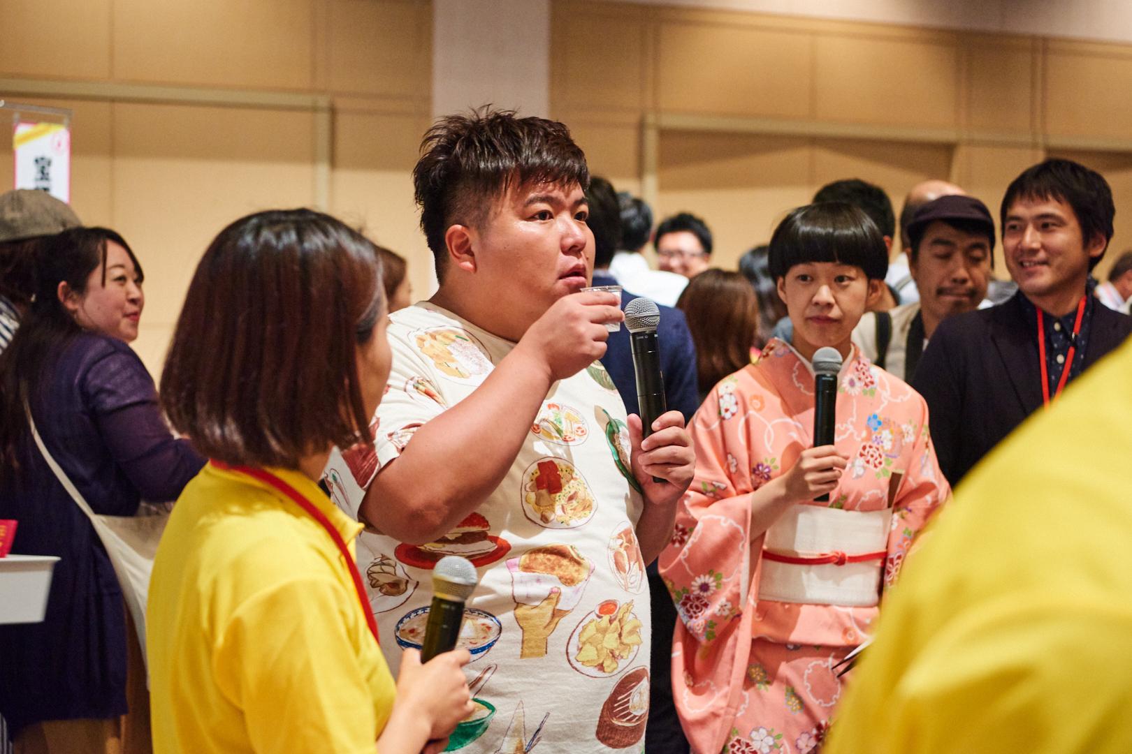 梅乃宿酒造の純米大吟醸を味わうミサイルマン西代