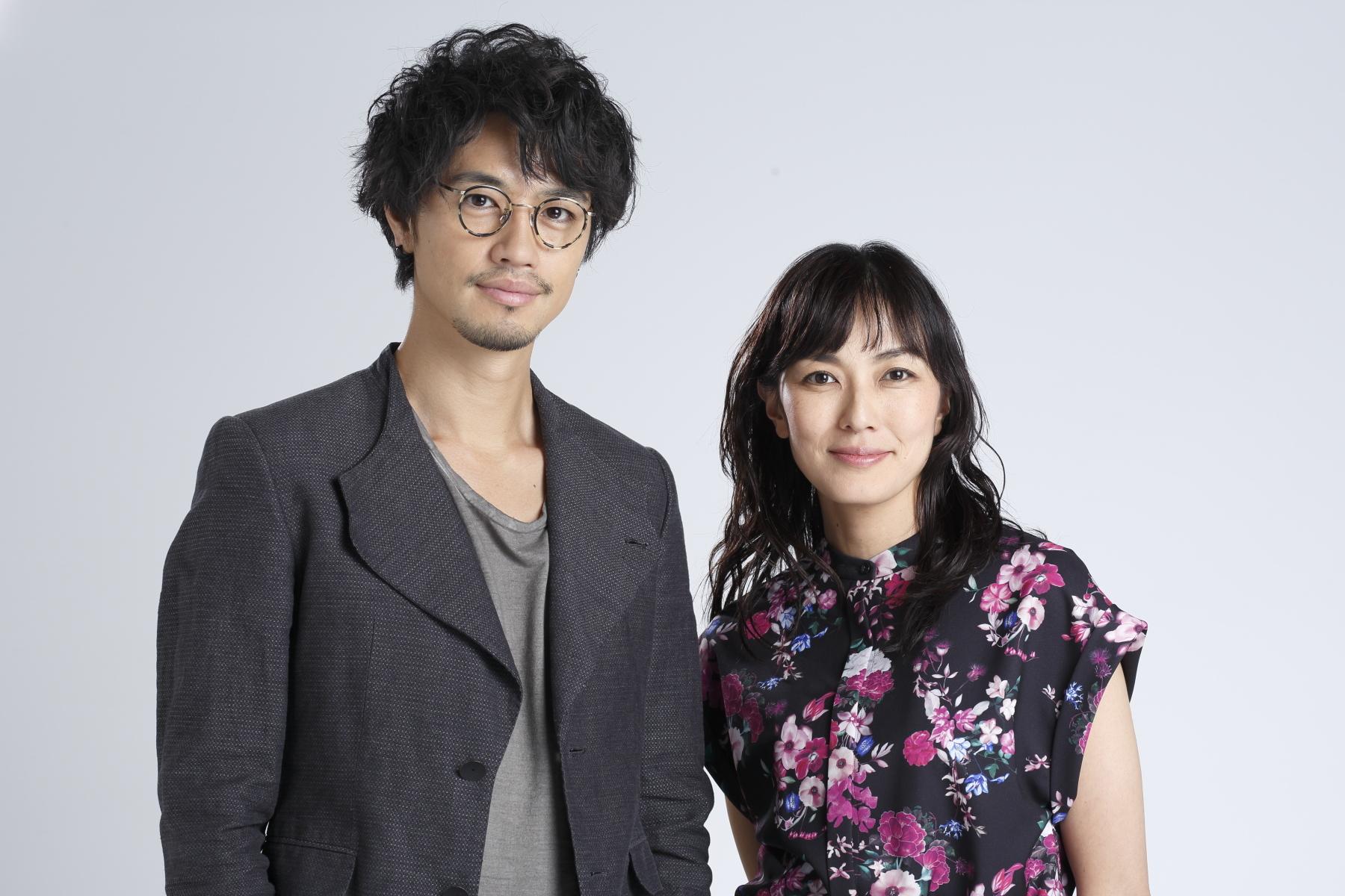 斎藤工(左)、板谷由夏(右)
