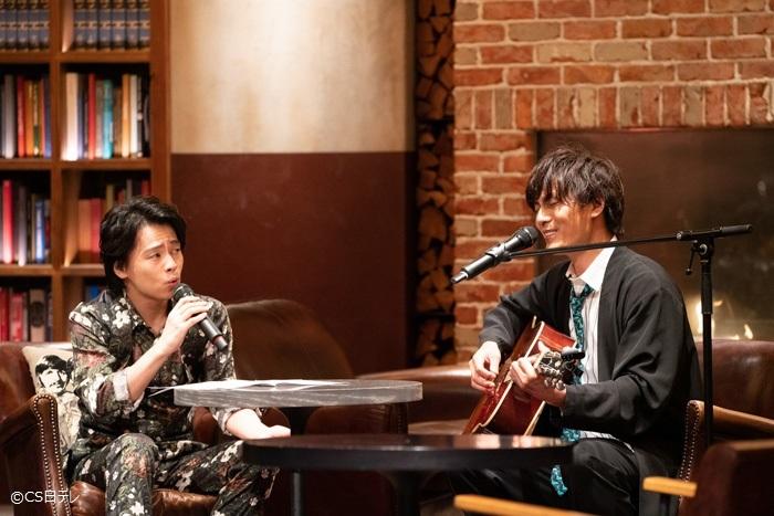 トーク中にも、尾崎豊「I LOVE YOU」をハモリ始めるふたり!
