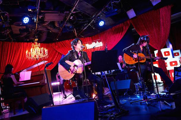 「You Tube Music Night with GLAY 『WINTERDELICS.EP~あなたといきてゆく~』」の様子。