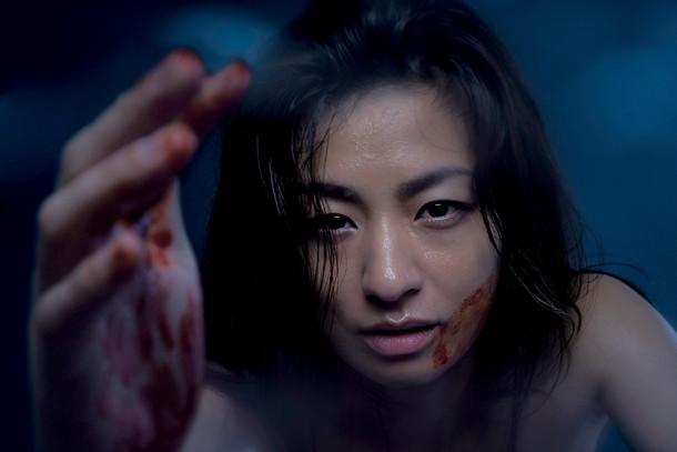 ドラマ「フジコ」メインビジュアル (c)HJホールディングス / 共同テレビジョン (c)真梨幸子 / 徳間書店