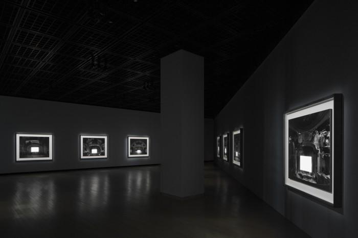 〈廃墟劇場〉2015(展示風景)©Sugimoto Studio