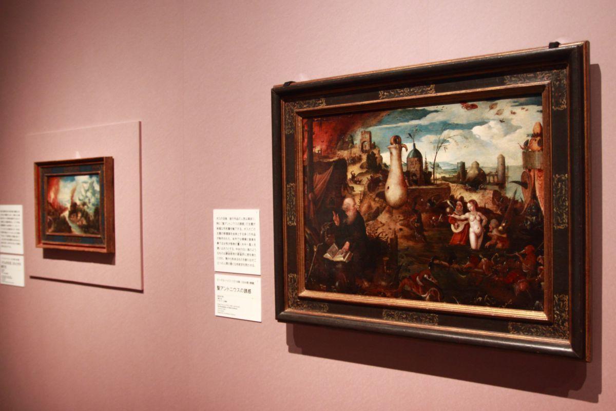 左:ヘリ・メット・ド・ブレス《ソドムの火災、ロトとその娘たち》製作年不詳、油彩、板 ナミュール考古学美術館 右:ピーテル・ハイス(帰属)《聖アントニウスの誘惑》創作年不詳、油彩、板 ド・ヨンケール画廊
