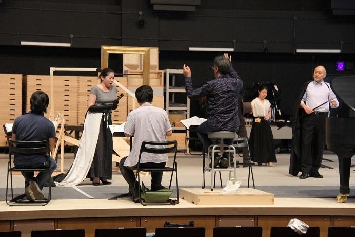 最高の『トスカ』をお見せしたい! 熱い稽古は連日繰り広げられる (C)H.isojima
