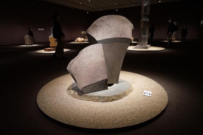 イサム・ノグチ《無題》1987年 イサム・ノグチ財団・庭園美術館(ニューヨーク)蔵(公益財団法人イサム・ノグチ日本財団に永久貸与) (C)2021 The Isamu Noguchi Foundation and Garden Museum/ARS,NY/JASPAR,Tokyo E3713