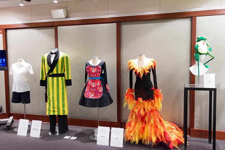 オペラ《こどもと魔法》(サイトウ・キネン・フェスティバル 松本)がグラミー賞受賞で話題だが、こちらは、小澤征爾音楽塾公演での同作品で実際に使用された衣裳と小道具 (Photo:M.Terashi/TokyoMDE)