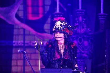 10回目を迎えたVAMPS主宰の『HALLOWEEN PARTY 』ファイナル公演ではYOSHIKI×HYDEのコラボも