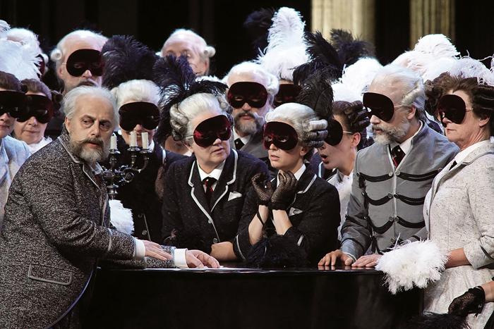 「スペードの女王」Stefan Herheim's exciting The Queen of Spades (Dutch National Opera)  (c) Karl and Monika Forster