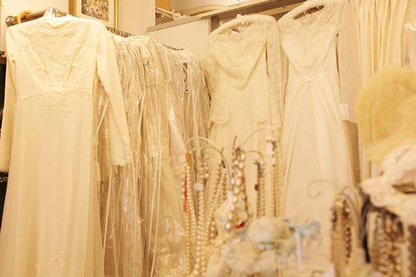 美しいヴィンテージドレス カタログでも全体像を確認できる