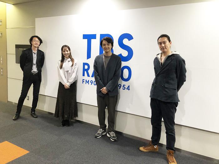 (左から)大貫祐一郎、咲妃みゆ、井上芳雄、安倍康律