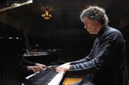 イギリスの名手、ポール・ルイス(ピアノ)が新たなソロ・シリーズと盟友パドモアとの演奏会を語る