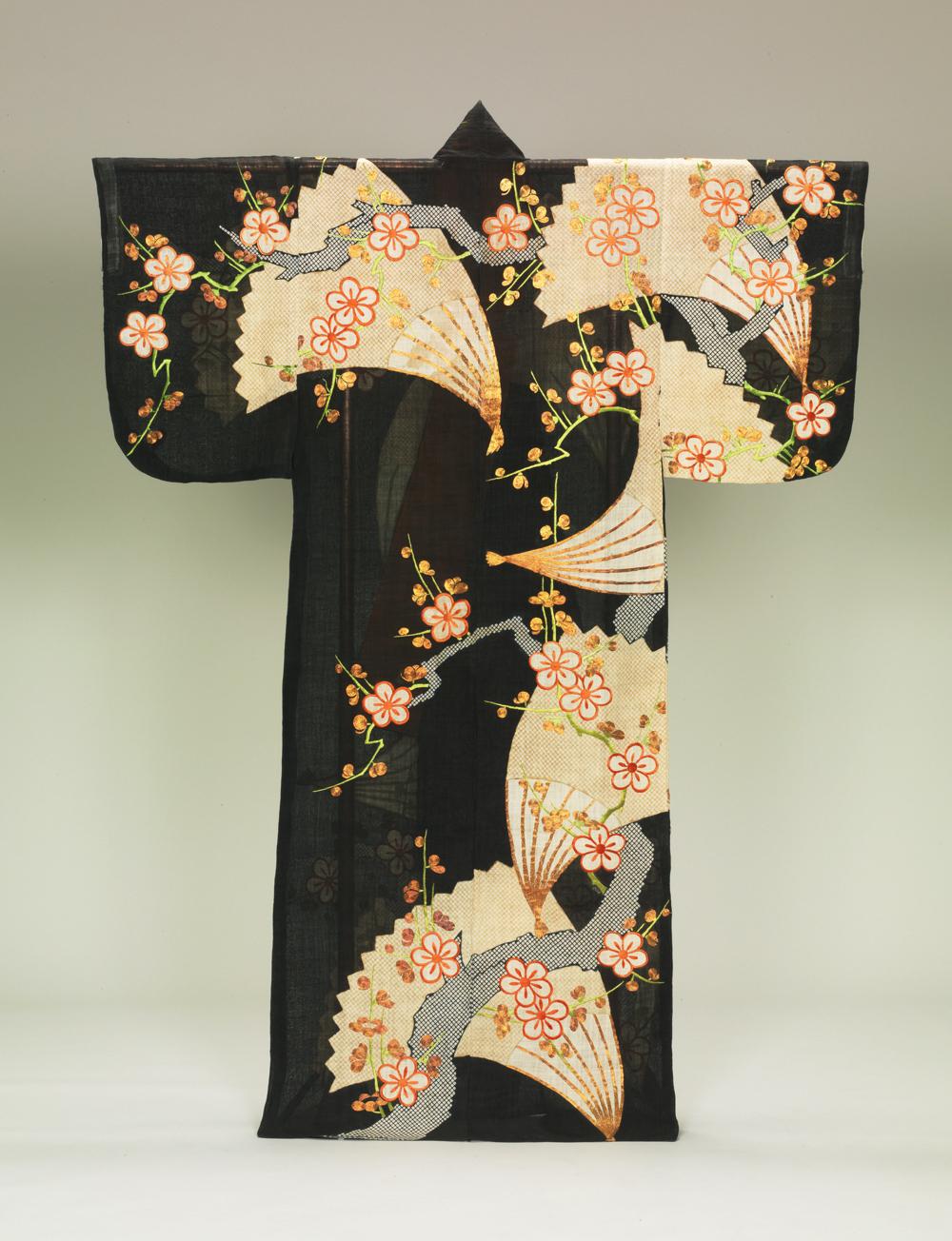 梅樹扇模様帷子 一領 江戸時代 18世紀 女子美術大学美術館
