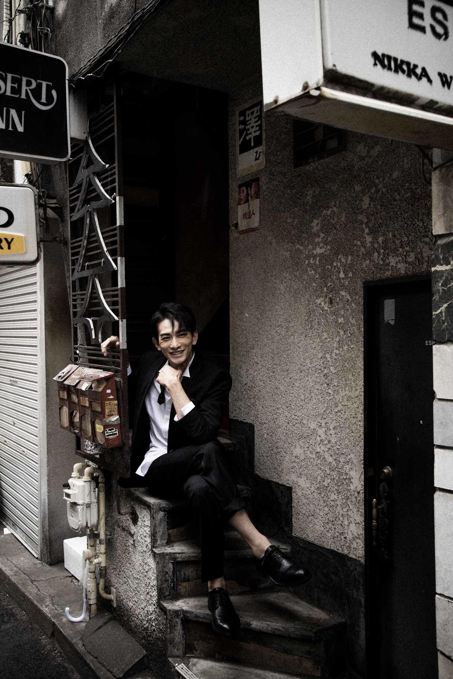 町田啓太 写真集『BASIC』 光文社刊  撮影=彦坂栄治