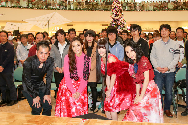 左から櫻田泰啓、Wakana、Keiko、Hikaru。