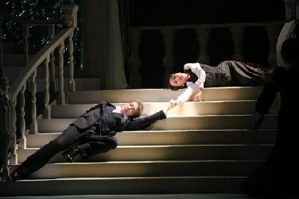 高い美意識に貫かれた出色の舞台 宝塚宙組公演 Musical『双頭の鷲』
