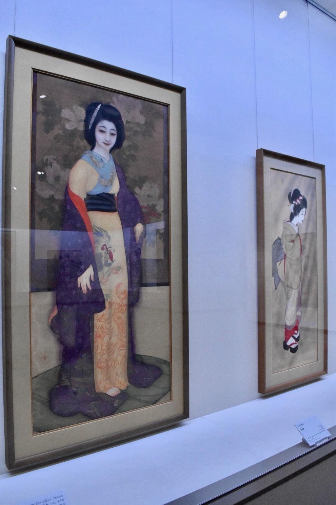 左:甲斐庄楠音 《横櫛》 大正5(1916)年頃 京都国立近代美術館 右:甲斐庄楠音 《娘》 大正4(1915)年頃 京都国立近代美術館