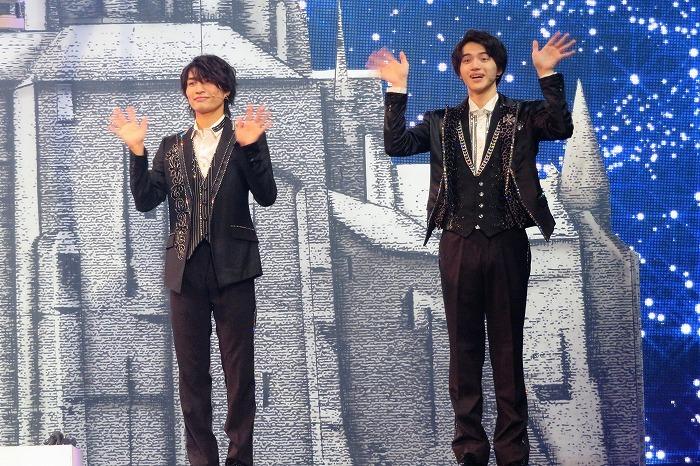 (左から)那須雄登、岩﨑大昇