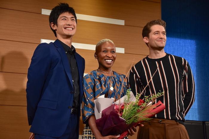 三浦春馬、シンシア・エリヴォ、マシュー・モリソン(左から)