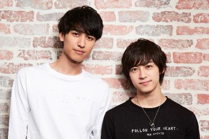 (左から)井阪郁巳、阿久津仁愛