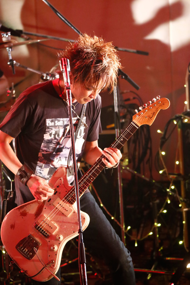 "INORAN(Photo by SHIGEO ""JONES"" KIKUCHI)"