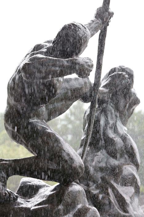 エミール=アントワーヌ・ブールデル『弓を引くヘラクレス』2015年