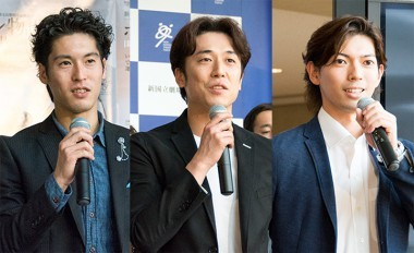 ホフマン役:福岡雄大(写真左)、菅野英男(中央)、井澤駿(右)