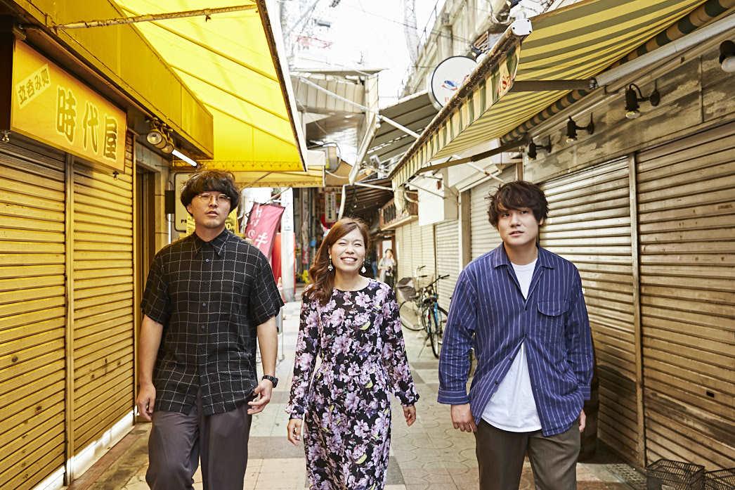 ササキハヤト(Vo,Gt)、ミヤシタヨウジ(Ba)(The Floor)、内田絢子(FM802 DJ )