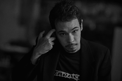 LEO今井、ソロキャリア初のアナログシングルをリリース ライブで先行販売も